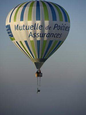 record du monde de trapeze sous montgolfière - Montgolfière Centre Atlantique